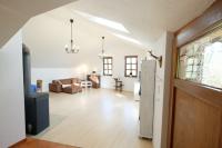 Blick auf den kompletten Wohn- und Essbereich