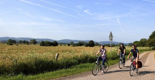 3588E__Bueckeburger_Niederung_mit_Radfahrern_nicht_bezahlt